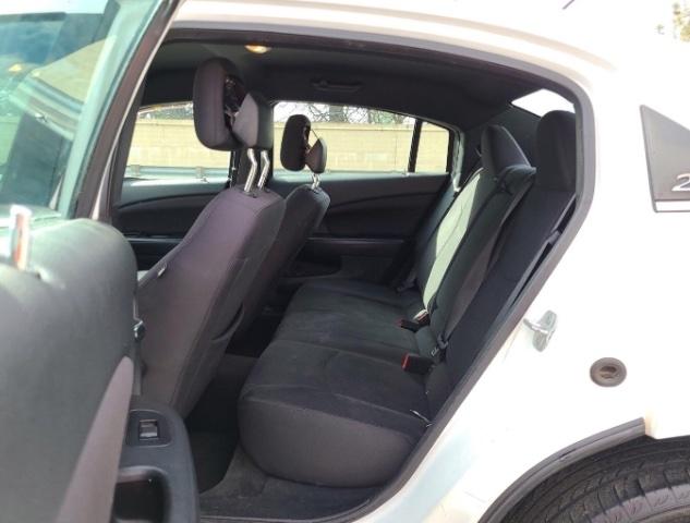 Chrysler 200 2014 price $4,950