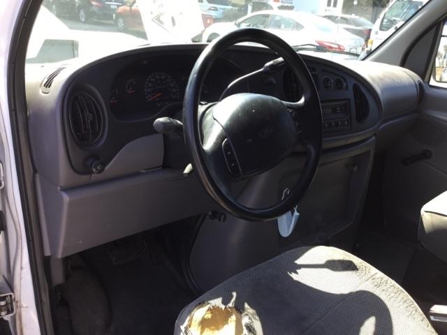 Ford E-250 1999 price $2,950