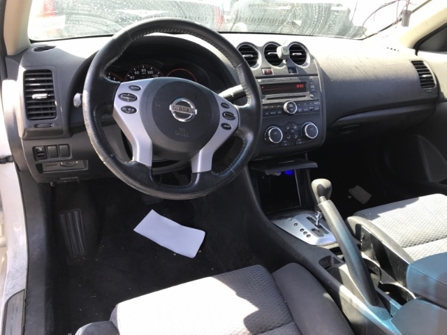 Nissan Altima 2008 price $3,850