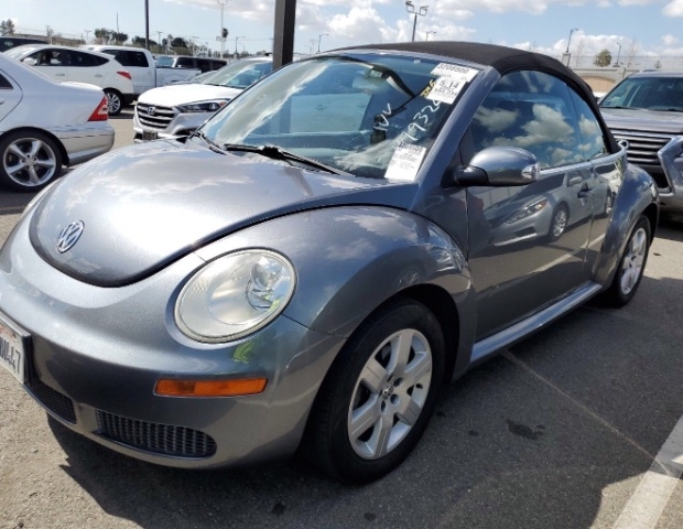 Volkswagen New Beetle Convertible 2007 price $4,950