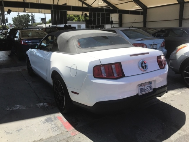 Ford Mustang 2010 price $6,050