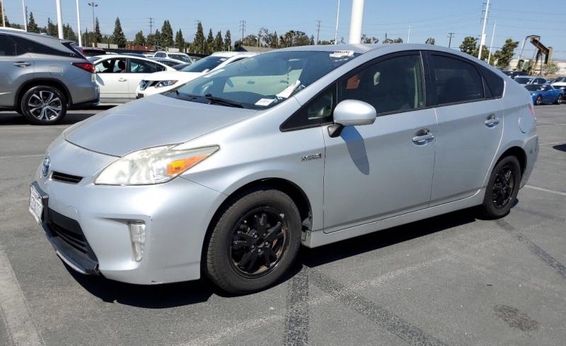 Toyota Prius 2013 price $7,650