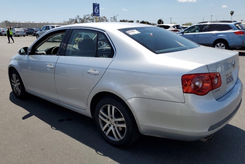 Volkswagen Jetta Sedan 2006 price $4,150
