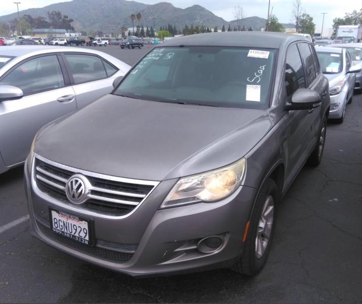 Volkswagen Tiguan 2009 price $5,550