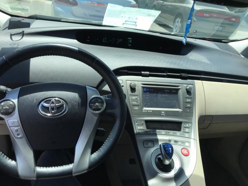 Toyota Prius 2013 price $8,250