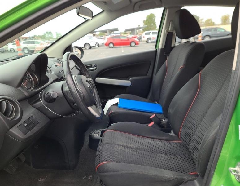 Mazda Mazda2 2013 price $4,650
