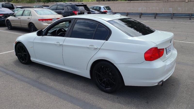 BMW 3-Series 2010 price $6,950