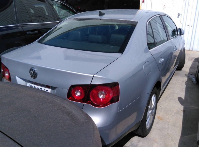 Volkswagen Jetta Sedan 2010 price $4,350