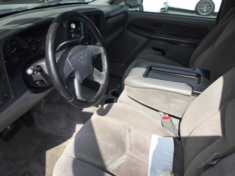 Chevrolet Suburban 2003 price $4,250