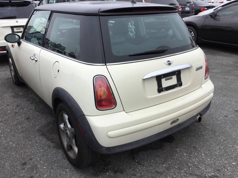 Mini Cooper Hardtop 2002 price $3,950