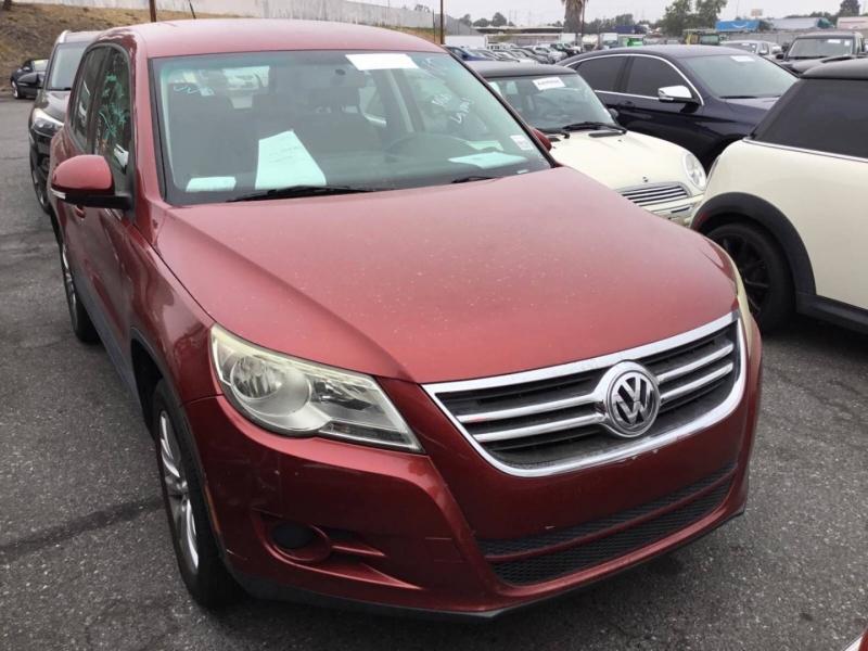 Volkswagen Tiguan 2009 price $5,450
