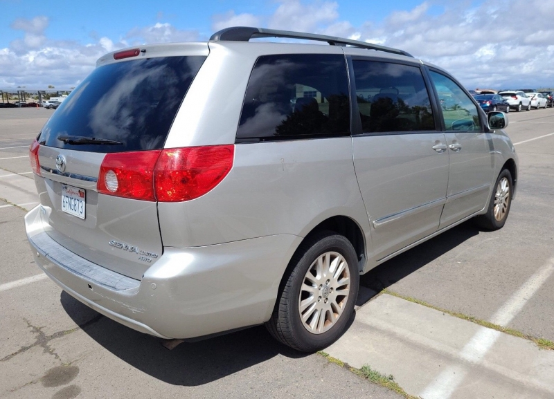 Toyota Sienna 2007 price $5,850