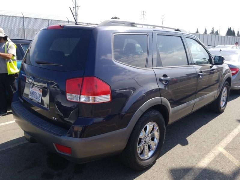 Kia Borrego 2009 price $4,950