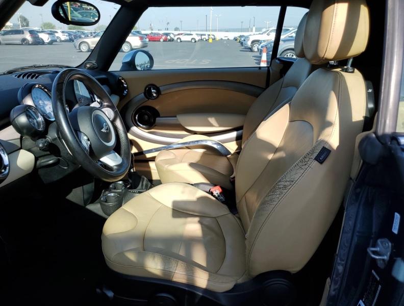 Mini Cooper Convertible 2010 price $4,850