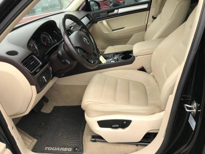Volkswagen Touareg 2011 price $8,750