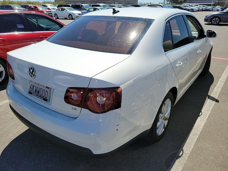 Volkswagen Jetta Sedan 2010 price $3,750