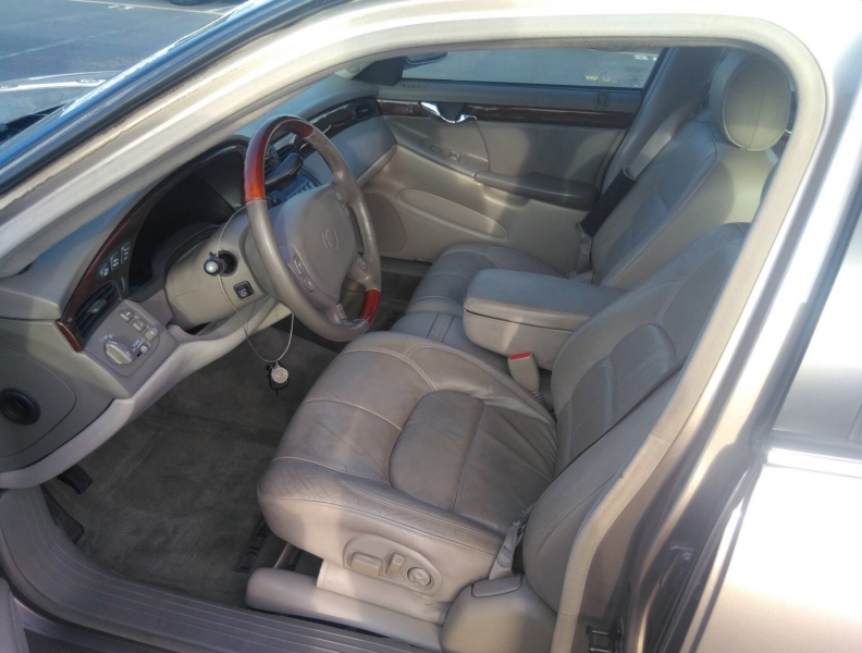 Cadillac DeVille DHS 2000 price $2,850