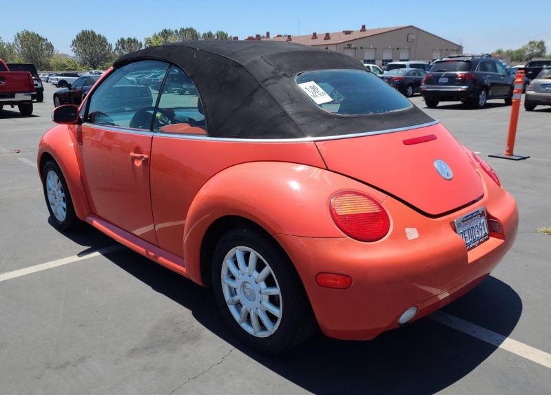 Volkswagen New Beetle Convertible 2004 price $2,950