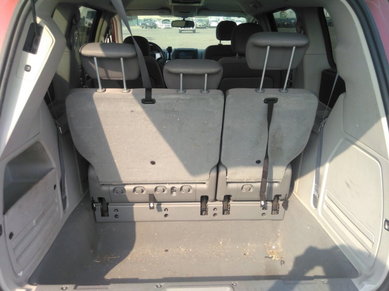 Volkswagen Routan 2009 price $5,650