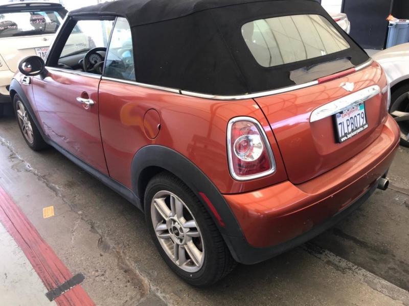 Mini Cooper Convertible 2011 price $7,950