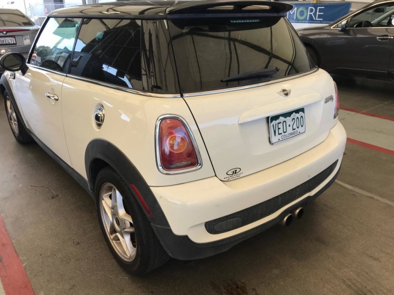 Mini Cooper Hardtop 2010 price $4,850