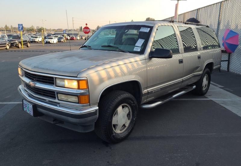 Chevrolet Suburban 1999 price $3,450