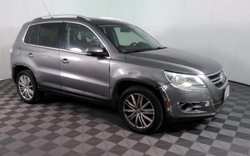Volkswagen Tiguan 2010 price $5,050