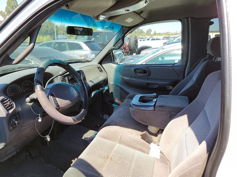 Ford F-150 2002 price $4,750