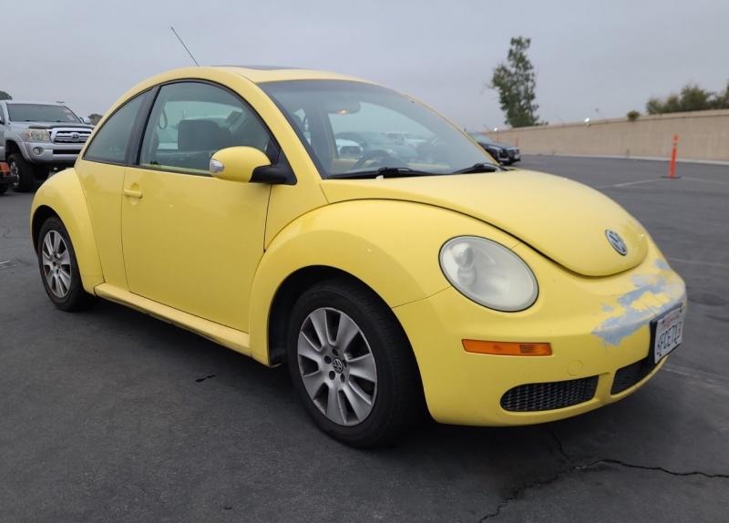 Volkswagen New Beetle Coupe 2009 price $4,350