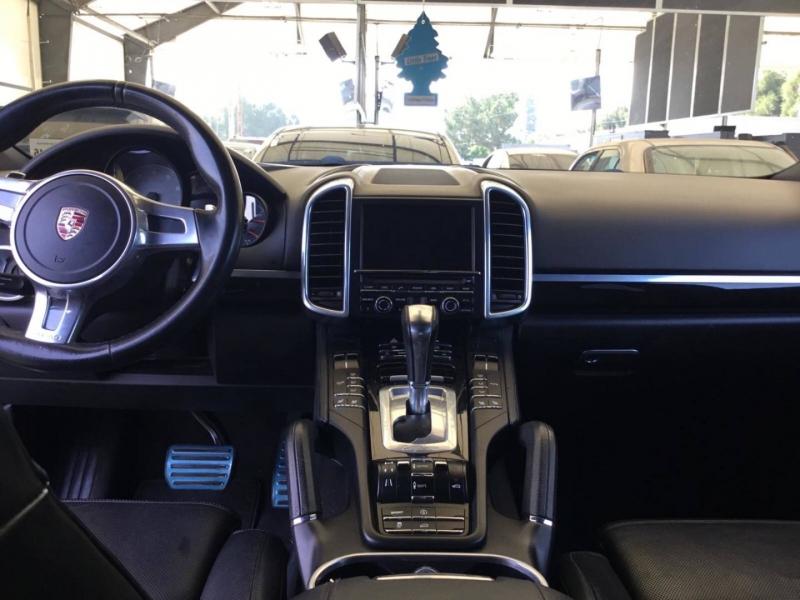 Porsche Cayenne 2011 price $14,550