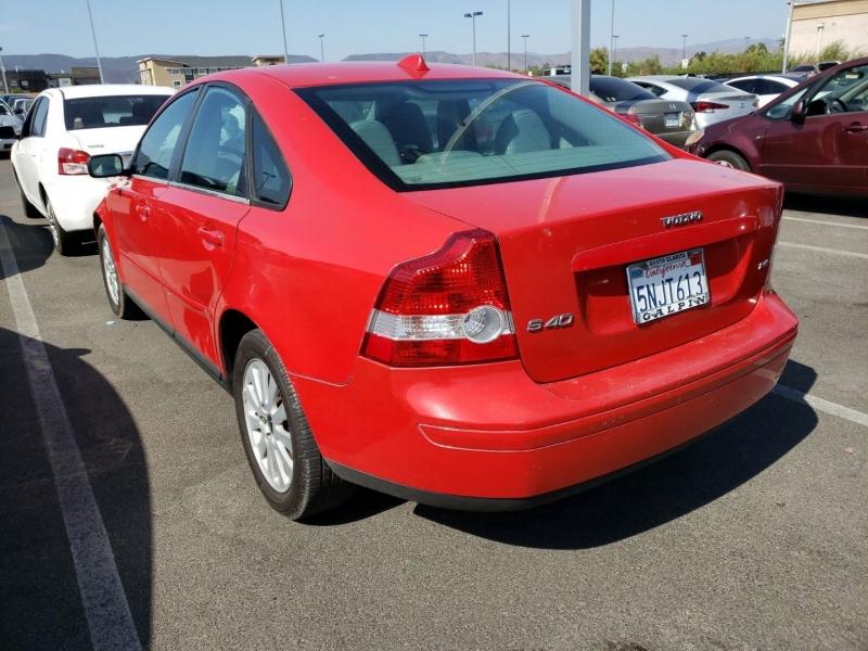 Volvo S40 2005 price $4,100