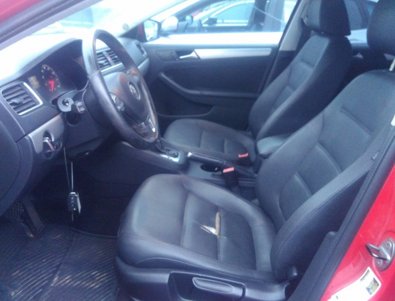 Volkswagen Jetta Sedan 2011 price $6,050