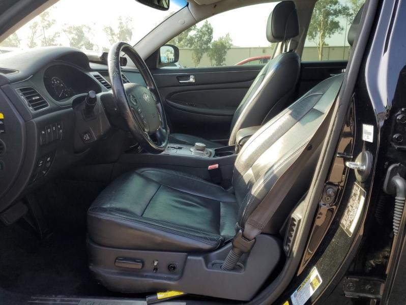Hyundai Genesis 2011 price $6,150