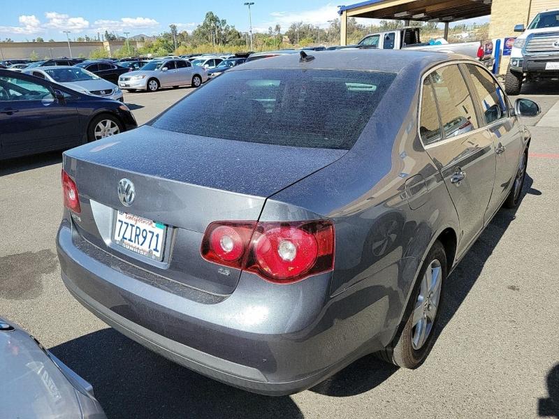 Volkswagen Jetta Sedan 2009 price $4,650