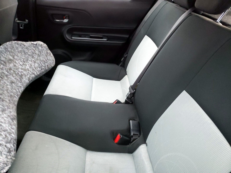 Toyota Prius c 2015 price $7,850