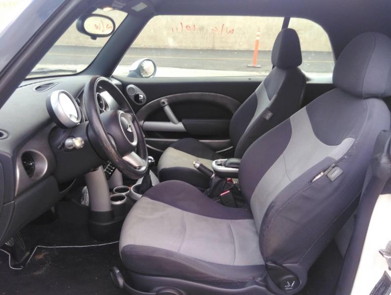 Mini Cooper Convertible 2006 price $4,150