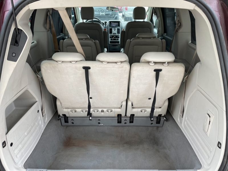 Chrysler Town & Country 2008 price $4,998