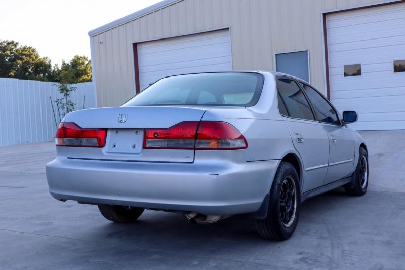 Honda Accord Sdn 2002 price $2,498