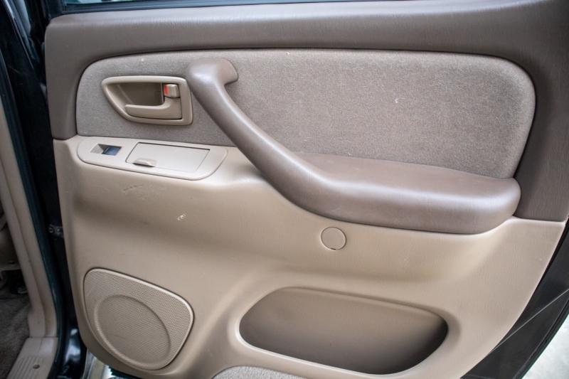 Toyota Tundra 2004 price $8,950