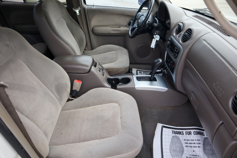 Jeep Liberty 2002 price $2,499
