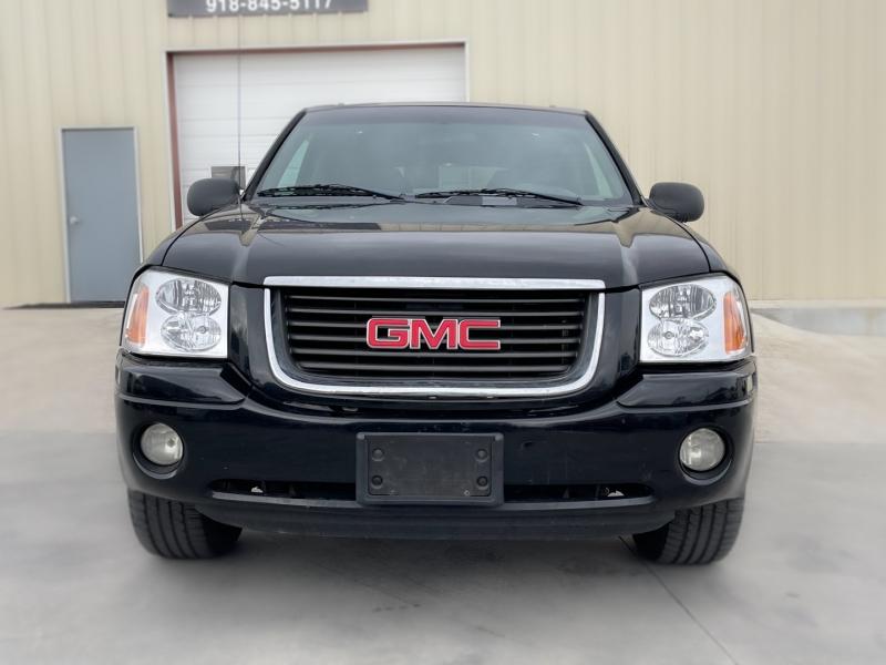 GMC Envoy 2004 price $4,498