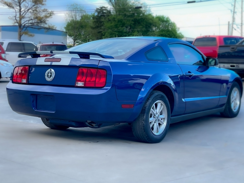 Ford Mustang 2009 price $9,998