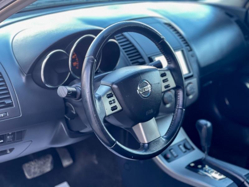 Nissan Altima 2006 price $4,998
