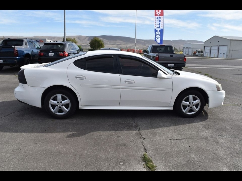 Pontiac Grand Prix 2007 price $2,999