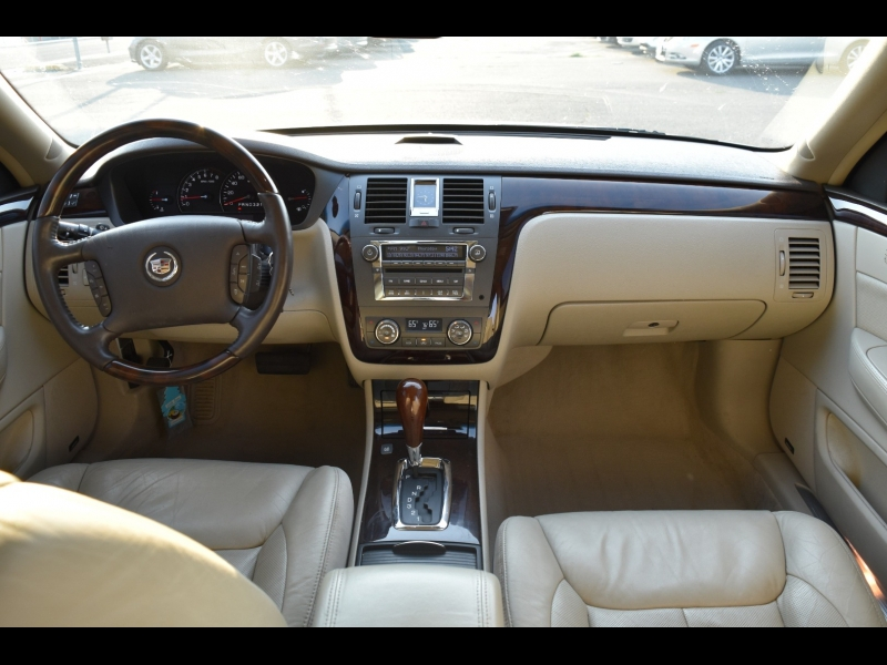 Cadillac DTS 2009 price $9,999