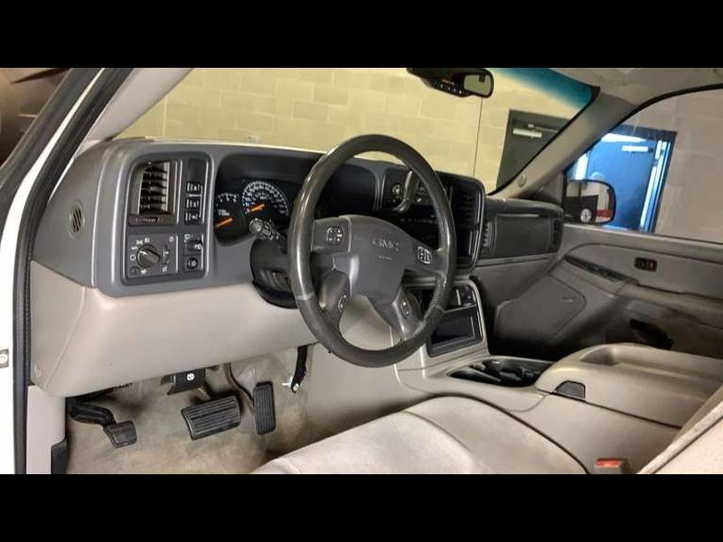 GMC Yukon XL 2004 price $4,999