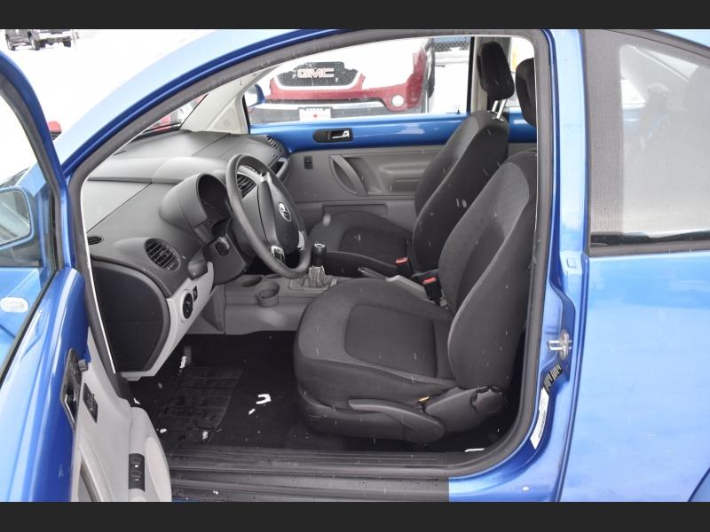 Volkswagen New Beetle 1999 price $2,999