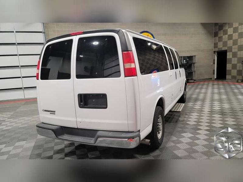 Chevrolet Express Passenger 2007 price $9,999