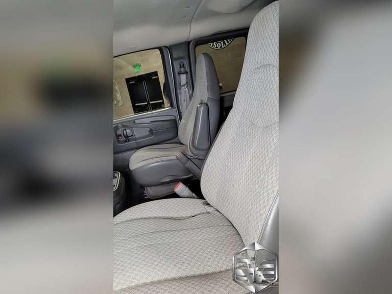 Chevrolet Express Passenger 2008 price $9,999