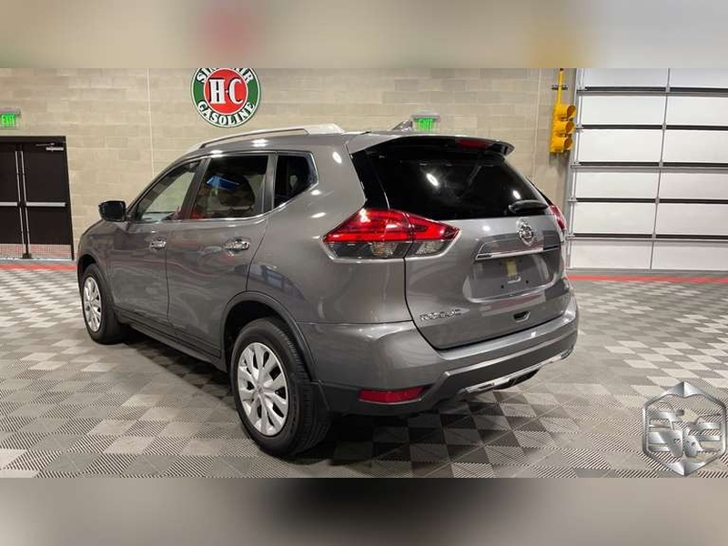 Nissan Rogue 2017 price $18,999
